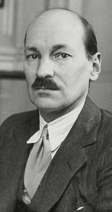 His PR people worried that Attlee was only one pair of glasses away from the full 'novelty disguise' look.